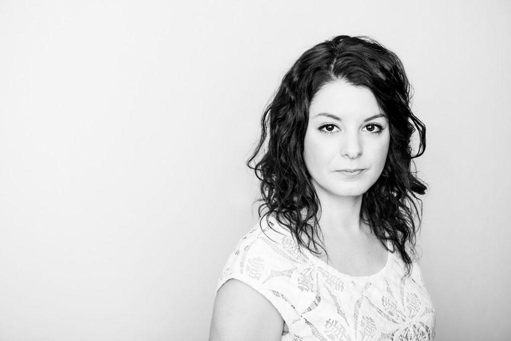 anna-kobelak-studio-portrait